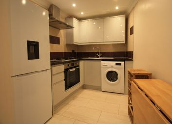Thumbnail 1 bed flat to rent in Lavender Hill, Battersea