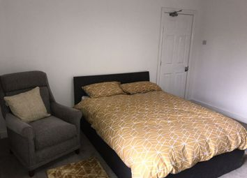 Thumbnail 5 bed shared accommodation to rent in Park Grove, Princes Avenue, Hull
