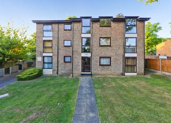 Thumbnail 1 bed flat to rent in Hurst Road, Croydon