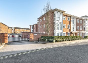 2 bed flat to rent in Kerr Place, Aylesbury HP21
