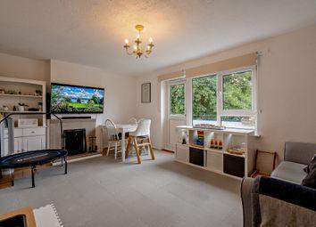 St. Thomas Road, London E16. 3 bed maisonette