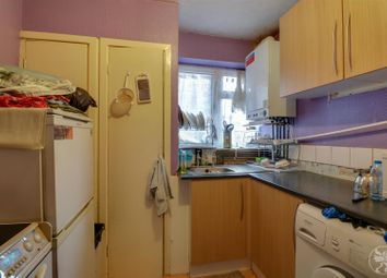 Thumbnail 2 bed flat for sale in Kent Road, Grays