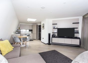 Thumbnail 2 bed flat for sale in Homles Road, Kentish Town