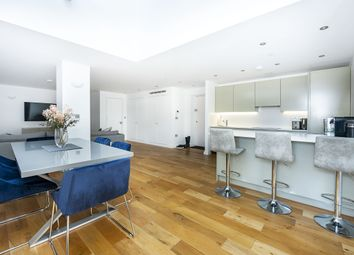 2 bed flat to rent in Western Avenue, Perivale, Greenford UB6