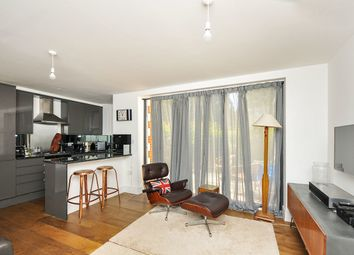 Thumbnail 3 bed flat to rent in Plaistow Lane, Bromley