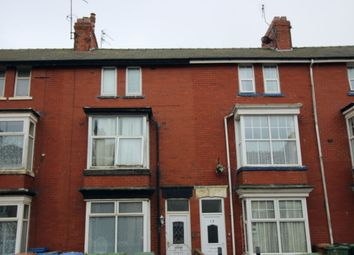 Thumbnail 6 bed flat for sale in Horsforth Avenue, Bridlington