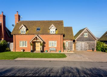 Thumbnail 4 bed detached house for sale in Rivermeade, Barton Road, Welford-On-Avon, Wariwckshire