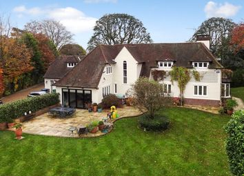 Thumbnail 5 bed detached house to rent in Lunghurst Road, Woldingham, Caterham
