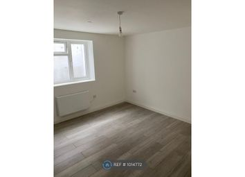 Room to rent in Engleheart Road, London SE6