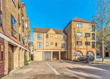 Thumbnail 2 bedroom flat to rent in Brunswick Quay, London