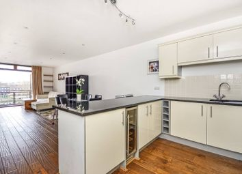 Thumbnail 1 bed flat to rent in Star Place, Wapping