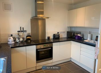 3 bed maisonette to rent in Crown Court, London SE12