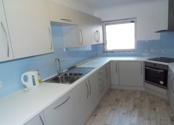 Thumbnail 2 bedroom flat to rent in West Parade, Worthing