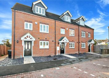 4 bed end terrace house for sale in Quarry Close, Gravesend, Kent DA11