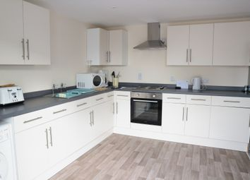 Thumbnail 2 bedroom flat to rent in Loddon Court Farm, Beech Hill Road, Reading