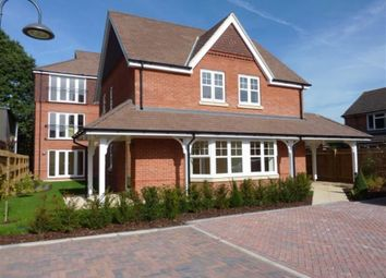 Thumbnail 2 bed flat to rent in Peel Court, Pangbourne