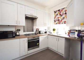 2 bed flat for sale in Heath Road, Twickenham TW1