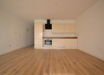 Thumbnail 3 bed flat to rent in Roding Lane North, Woodford Green