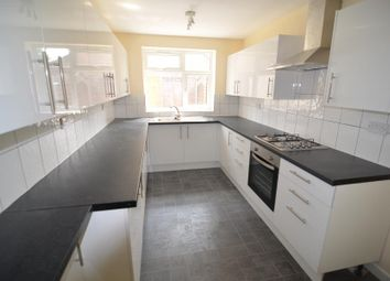 Thumbnail 5 bed property to rent in Charlemont Road, London