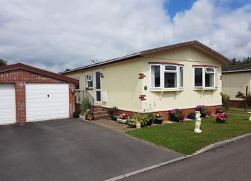 Thumbnail 2 bed mobile/park home for sale in New Park, Bovey Tracey, Newton Abbot