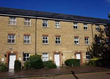 Thumbnail 1 bed flat to rent in High Street, Berkhamsted