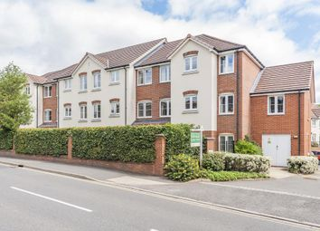 2 bed flat for sale in Chesham, Buckinghamshire HP5