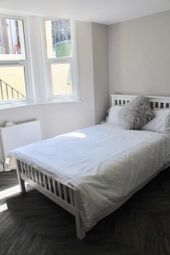Thumbnail Room to rent in Room, Wernbrook Street