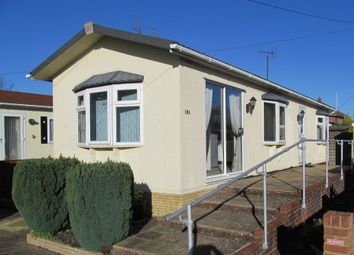 Thumbnail 2 bedroom mobile/park home for sale in Devon Close (Ref 5473), College Town, Sandhurst, Berkshire