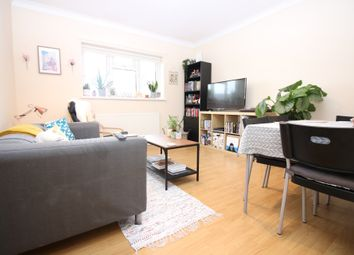 2 bed flat to rent in Albany Court, Bangor Street, Roath CF24