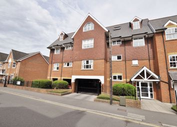 Thumbnail 2 bedroom flat to rent in Sydenham Road, Guildford