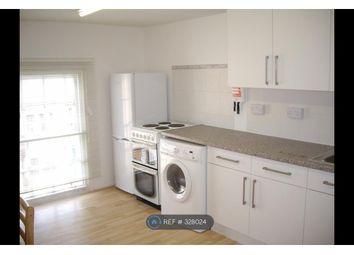 Thumbnail 2 bed flat to rent in Russell Street, Reading