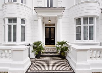 3 bed flat for sale in Gloucester Terrace, Bayswater W2