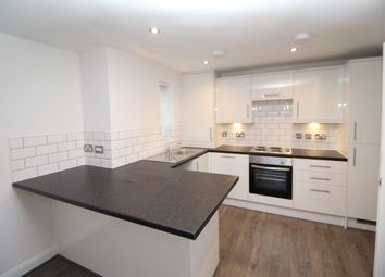 2 bed flat to rent in Mount Road, Manchester M19