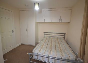 Thumbnail 2 bed flat to rent in Charles Street, Reading
