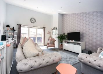Thumbnail 5 bed end terrace house for sale in Maypole Road, East Grinstead