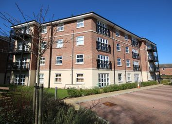 Thumbnail 1 bed flat to rent in Hewlett House, Honington Mews, Farnborough