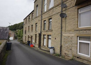 2 bed terraced house to rent in Wakefield Road, Sowerby Bridge HX6