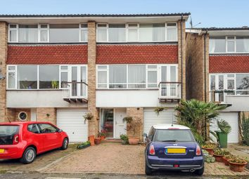 Thumbnail 1 bed flat to rent in Marlow, 3Hr