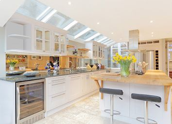 Thumbnail 5 bed terraced house to rent in Bovingdon Road, London