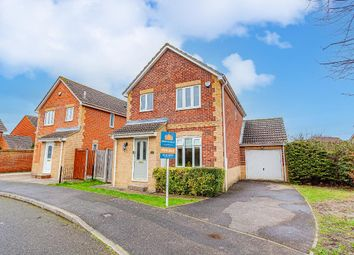 Friesian Way, Kennington, Ashford, Kent TN24. 3 bed detached house for sale