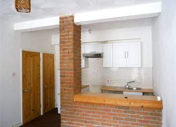 1 bed flat to rent in William Street, Weymouth, Dorset DT4
