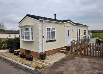 Thumbnail 1 bed mobile/park home for sale in Whipsnade Park Homes, Whipsnade, Dunstable