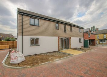 Thumbnail 2 bed flat for sale in Oxford Court, Market Rasen, Lincolnshire