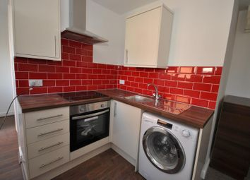Thumbnail 1 bed flat to rent in Gladstone Avenue, Loughborough