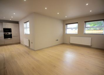 Thumbnail 1 bed flat to rent in Station Road, Bourne End