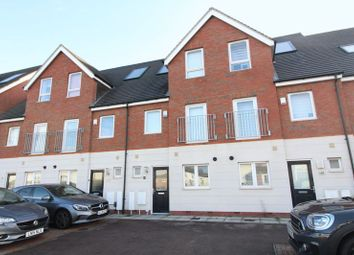 Thumbnail 3 bed town house to rent in Leicester Road, Luton