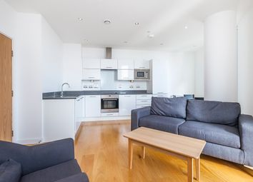 Thumbnail 2 bed flat to rent in High St, London