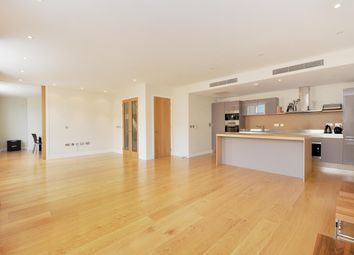 Thumbnail 4 bed flat to rent in Gatliff Road, London