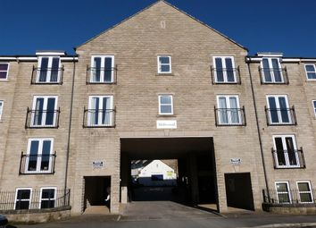 2 bed flat for sale in Sycamore Avenue, Bingley BD16