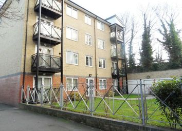 Thumbnail 2 bed flat to rent in Gallagher Road, Battersea
